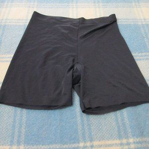 MAIDENFORM 2XL SHAPEWEAR SHORTS